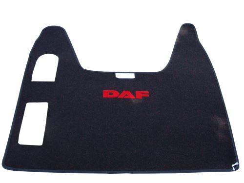 Středový koberec DAF XF95, automat, červený